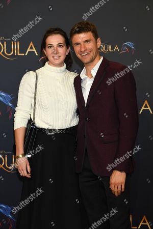 Stock Picture of Thomas Muller mit Ehefrau Lisa,