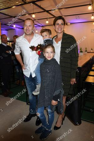 Heinz Georg Kramm Ferch mit Ehefrau Marie-Jaenette Ferch and Kindern,