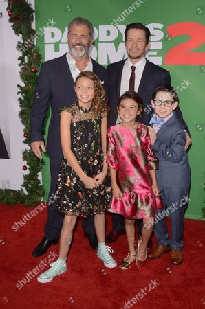 Stock Photo of Mel Gibson, Mark Wahlberg, Owen Vaccaro, Scarlett Estevez, Didi Costine