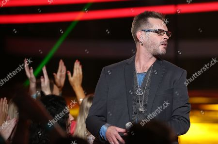 """Bo Bice performs at the """"American Idol"""" farewell season finale at the Dolby Theatre, in Los Angeles"""