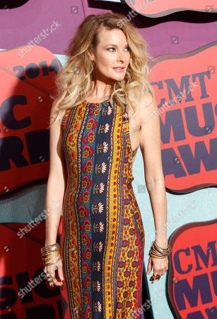 Elizabeth Cook arrives at the CMT Music Awards at Bridgestone Arena, in Nashville, Tenn