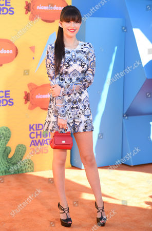 Elizabeth Elias arrives at Nickelodeon's 28th annual Kids' Choice Awards at The Forum, in Inglewood, Calif