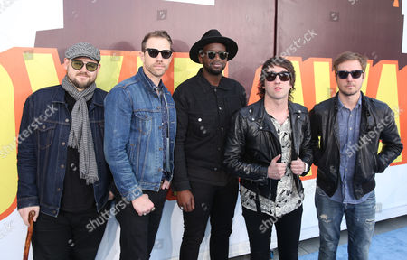Mike Retondo, and from left, Tim Lopez, De'Mar Hamilton, Tom Higgenson, and Dave Tirio of the musical group Plain White T's arrive at the MTV Movie Awards at the Nokia Theatre, in Los Angeles