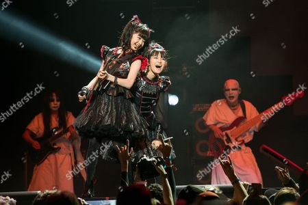 Yui Mizuno, left, and Suzuka Nakamoto of BABYMETAL perform at the 2016 Journeys AP Music Awards at Value City Arena at the Jerome Schottenstein Center, in Columbus, Ohio