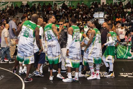 Marcellus Wiley, from left, Guy Dupuy, Young Greatness, Lil Durk, and Silento play at the BET Experience - Sprite celebrity basketball game held at the Los Angeles Convention Center on