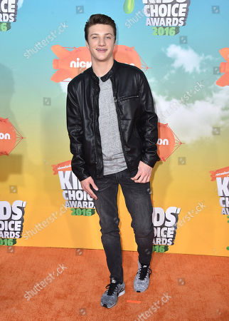 Jake Short arrives at the Kids' Choice Awards at The Forum, in Inglewood, Calif
