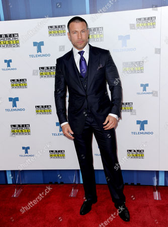 Rafael Amaya poses backstage at the Latin American Music Awards at the Dolby Theatre, in Los Angeles