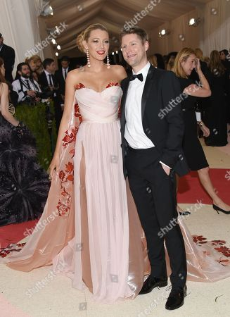 "Blake Lively, left, and Christopher Bailey arrive at The Metropolitan Museum of Art Costume Institute Benefit Gala, celebrating the opening of ""Manus x Machina: Fashion in an Age of Technology"", in New York"
