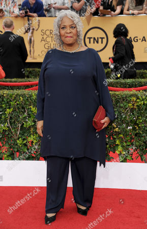 Stock Photo of Yvette Freeman arrives at the 21st annual Screen Actors Guild Awards at the Shrine Auditorium, in Los Angeles