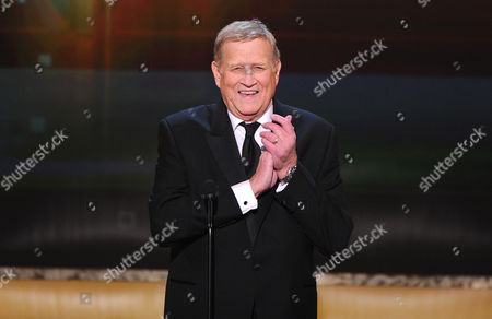 SAG President Ken Howard speaks on stage at the 21st annual Screen Actors Guild Awards at the Shrine Auditorium, in Los Angeles