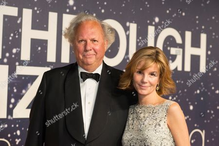 Vanity Fair editor Graydon Carter and his wife Anna Scott arrive at the 2nd Annual Breakthrough Prize Award Ceremony at the NASA Ames Research Center on in Mountain View, Calif