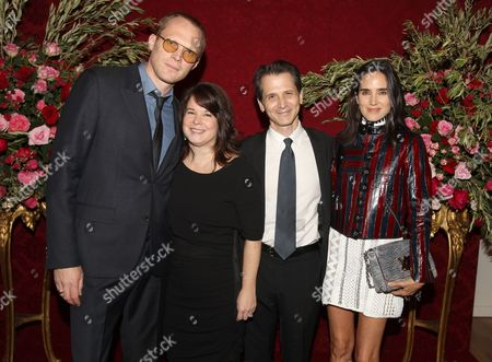 Actor Paul Bettany left, Mary Brosnahan, Dave Giffen and actress Jennifer Connelly attend ARTWALK NY 2014, benefiting Coalition for the Homeless, at the Metropolitan Pavilion, in New York
