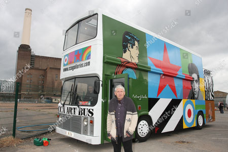 Storm Thorgerson with the CCA Art Bus at Battersea Power Station