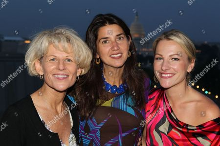 L to R) Legendary UCLA softball player and coach Sue Enquist, Laura Gentile, Vice President, espnW, and espn Anchor Lindsay Czarniak attend espnW's unveiling the world's largest photo mosaic of female athletes upon the Washington, D.C. Newseum's 74-foot-high First Amendment tablet on