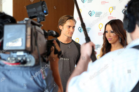 Alex Heartman visits the Xbox 360 and Children's Miracle Network Gaming and Giving for Good (G3) Miracle Lounge on in West Hollywood, Calif