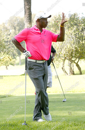 Kenny Lofton strikes a pose at the Hilton HHonors Charitable Golf Series Finale Event, on at the Riviera Country Club in Pacific Palisades, Calif