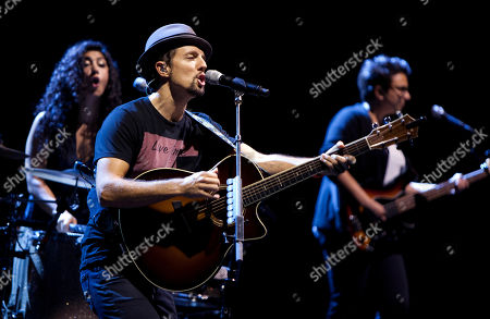 Jason Mraz, backed up by all-girl band Raining Jane including Mona Tavakoli and Becky Gebhardt, performed in concert at the Fox Theatre on Tuesday, S, in Atlanta, Ga