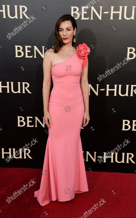 """Ayelet Zurer, a cast member in """"Ben-Hur,"""" poses at the premiere of the film at the TCL Chinese Theatre IMAX, in Los Angeles"""
