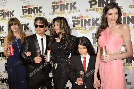 From left, Paris Jackson, Prince Jackson, La Toya Jackson, Blanket Jackson and Monica Gabor attend the Mr. Pink Ginseng launch party at the Beverly Wilshire hotel, in Beverly Hills, Calif