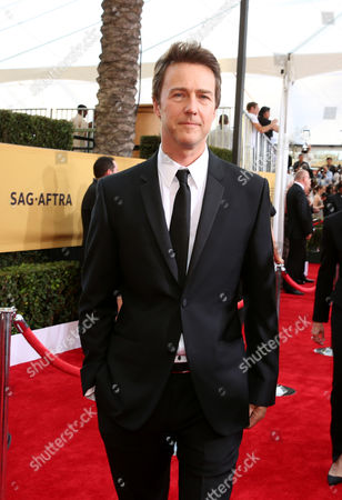Ed Norton arrives at the 21st annual Screen Actors Guild Awards at the Shrine Auditorium, in Los Angeles