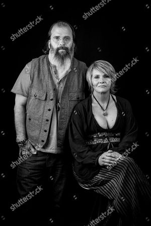 Steve Earle and Shawn Colvin pose for a portrait in New York