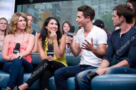 """Stock Photo of Jewel Staite, Cassie Steele, Joe Dinicol, and Jonathan Patrick Moore visit New.Music.Live. at the MuchMusic HQ to promote the second season of """"The L.A. Complex"""", in Toronto"""