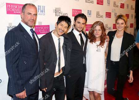 """From left, Christopher Meloni, Gregg Araki, Shiloh Fernandez, Dale Dickey, and Shailene Woodley pose together at the premiere of """"White Bird in a Blizzard"""" presented by FIJI Water on in Los Angeles"""