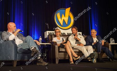 Mitch Pileggi, Gillian Anderson, David Duchovny and William B. Davis during Wizard World Chicago Comic-Con at the Donald E. Stephens Convention Center, in Chicago