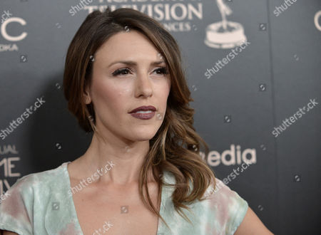 Elizabeth Hendrickson arrives at the 40th Annual Daytime Emmy Awards, in Beverly Hills, Calif