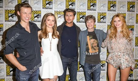 """From left, Connor Weil, Willa Fitzgerald, Amadeus Serafini, John Karna, and Bella Thorne attend the """"Scream"""" press line on day 2 of Comic-Con International, in San Diego"""