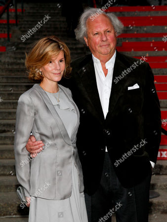 Anna Scott, left, and Graydon Carter, right, attend the annual Vanity Fair Tribeca Film Festival kick-off party at the State Supreme Courthouse, in New York