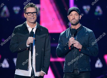 Bobby Bone, left, and Cody Alan introduce a performance by Michael Ray at the CMT Music Awards at the Bridgestone Arena, in Nashville, Tenn