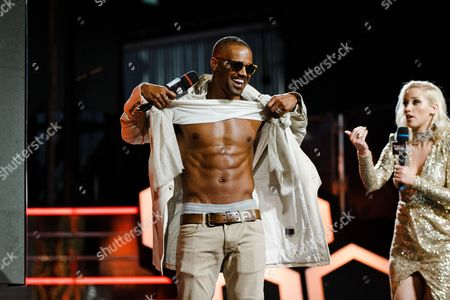 Shemar Moore, left, and Liz Trinnear appear onstage at the 2016 iHeartRadio MuchMusic Video Awards, in Toronto