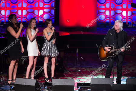 Chip Taylor performs with his granddaughters at the 47th Annual Songwriters Hall of Fame Induction Ceremony and Awards Gala at the Marriott Marquis Hotel, in New York