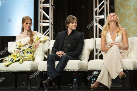 """Genevieve Angelson, from left, Hunter Parrish, and Anna Camp participate in the """"Good Girls Revolt"""" panel during the Amazon Television Critics Association summer press tour, in Beverly Hills, Calif"""