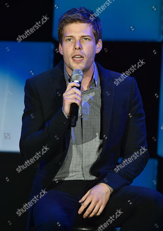 """Hunter Parrish performs at the 23rd annual """"A Night at Sardi's"""" to benefit the Alzheimer's Association at the Beverly Hilton Hotel, in Beverly Hills, Calif"""