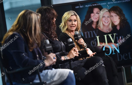 """Singer - songwriters Beth Nielsen Chapman, left, Amy Sky and Olivia Newton-John participate in the BUILD Speaker Series to discuss their new album """"Liv On"""" at AOL Studios, in New York"""