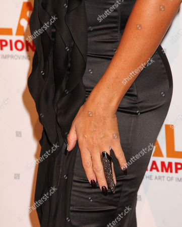 Chante Moore arrives at the CoachArt Gala of Champions in Beverly Hills, Calif. on