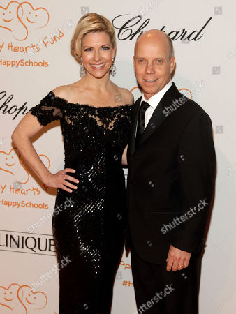 Tracie Hamilton, left, and former figure skater Scott Hamilton, right, attend the Happy Hearts Fund Gala, in New York
