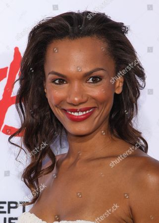 """Actress Amber Dixon arrives at the season 6 premiere screening of """"Sons of Anarchy"""" at the Dolby Theatre on in Los Angeles"""