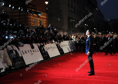 Daniel Craig poses at the world premiere of Skyfall James Bond 007 After Party at Tate Modern on in London