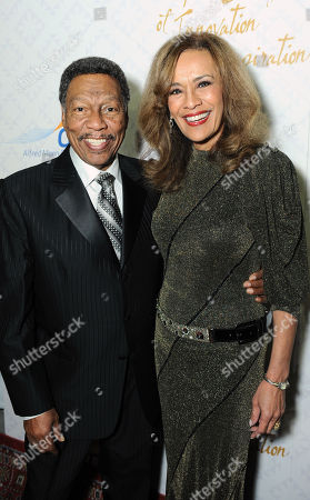 Billy Davis, Jr., left, and Marilyn McCoo arrive at the 10th annual Alfred Mann Foundation Gala, in Beverly Hills, Calif