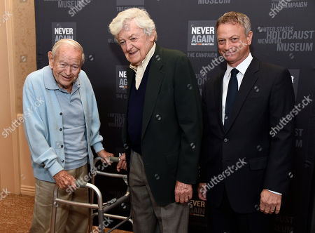 Daniel Gillespie, left, Hal Holbrook, center, and Gary Sinise arrive at the Los Angeles Dinner : What You Do Matters at the Beverly Hilton Hotel, in Beverly Hills, Calif