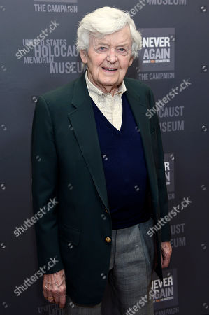 Hal Holbrook arrives at the Los Angeles Dinner : What You Do Matters at the Beverly Hilton Hotel, in Beverly Hills, Calif