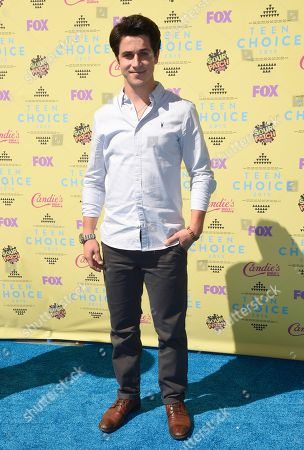David Henrie arrives at the Teen Choice Awards at the Galen Center, in Los Angeles