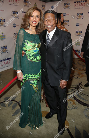 Marilyn McCoo and Billy Davis Jr. arrive at the 24th Night of 100 Stars Oscars Viewing Gala at The Beverly Hills Hotel on in Beverly Hills, Calif
