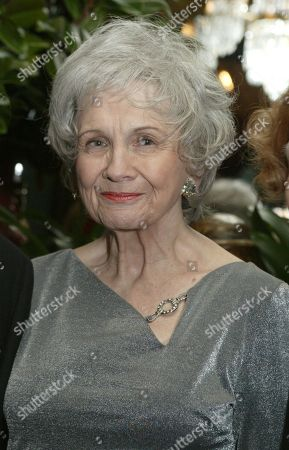 Alice Munro at a reception at the National Arts Club, in New York, before Munro receives the National Arts Club's 37th Annual Medal of Honor for Literature