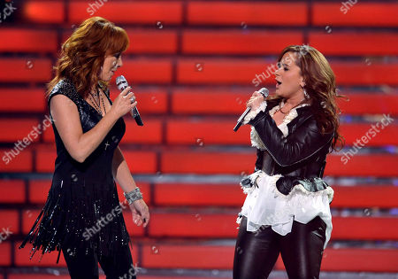 Reba McEntire, left, and Skylar Laine perform onstage at the American Idol Finale on in Los Angeles