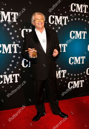 "Comedian Ron White poses on the red carpet at the CMT ""Artists of the Year"" at Bridgestone Arena, on in Nashville, Tenn"