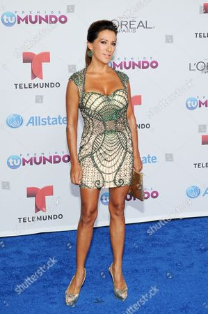 Azucena Cierco arrives for the Premios Tu Mundo Awards at the American Airlines Arena on in Miami, Florida